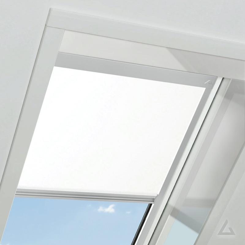 dachfenster rollo roto cool dachfenster gnstig von velux und roto bei kaufen bestimmt fr. Black Bedroom Furniture Sets. Home Design Ideas