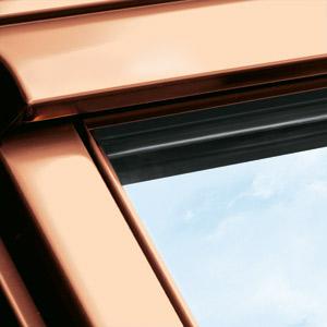 velux holz schwingfenster ggl im dachgewerk online shop. Black Bedroom Furniture Sets. Home Design Ideas