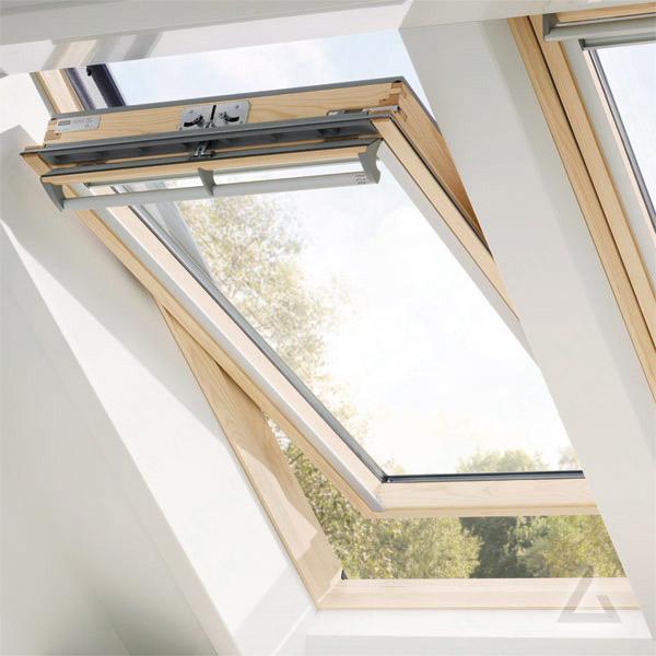 velux schwingfenster im dachgewerk dachfenster shop. Black Bedroom Furniture Sets. Home Design Ideas