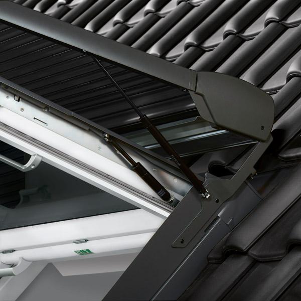 Dachfenster velux mit rolladen  VELUX Elektro-Rollladen SML MK06 0700S Aluminium Hellgrau im ...