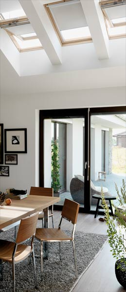 dachfenster shop velux roto und fakro dachfenster. Black Bedroom Furniture Sets. Home Design Ideas